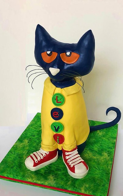 Pete the Cat Cake by Cake Doctor, LLC