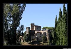 Le Château de Lourmarin- Vaucluse- France - Photo of Sannes
