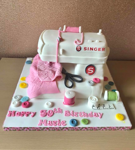 Sewing Machine Cake by Lisas Cake Creations
