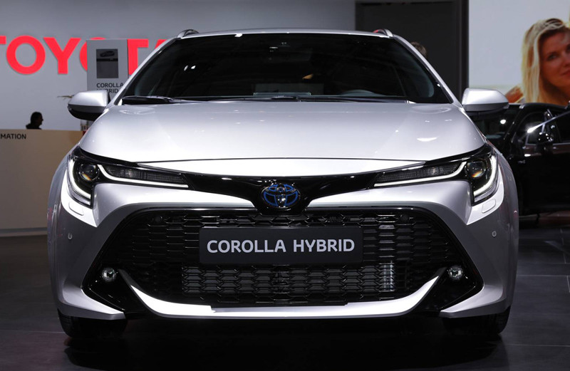 toyota-corolla-sports-tourer (4)