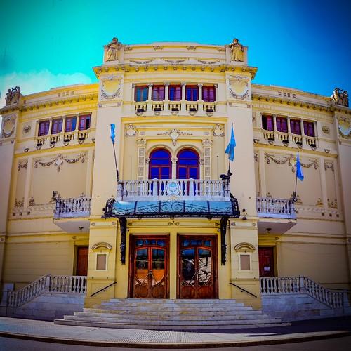 Teatro Oficial Juan de Vera