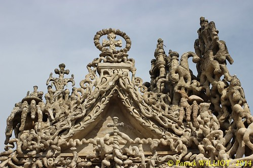 Hauterives - Tombe du Facteur Cheval (9)