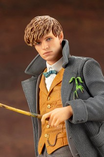 Kotobukiya ARTFX+ Series《Fantastic Beasts: The Crimes of Grindelwald》Newt Scamander