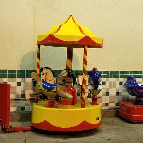 1970s Mini carousel kiddie ride (Red and yellow)