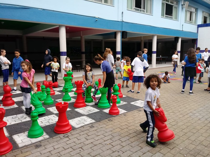 Educandos da Creche Girassol visitam o EIC