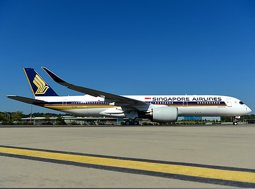Singapore Airlines A350-900ULR taxi (Airbus)