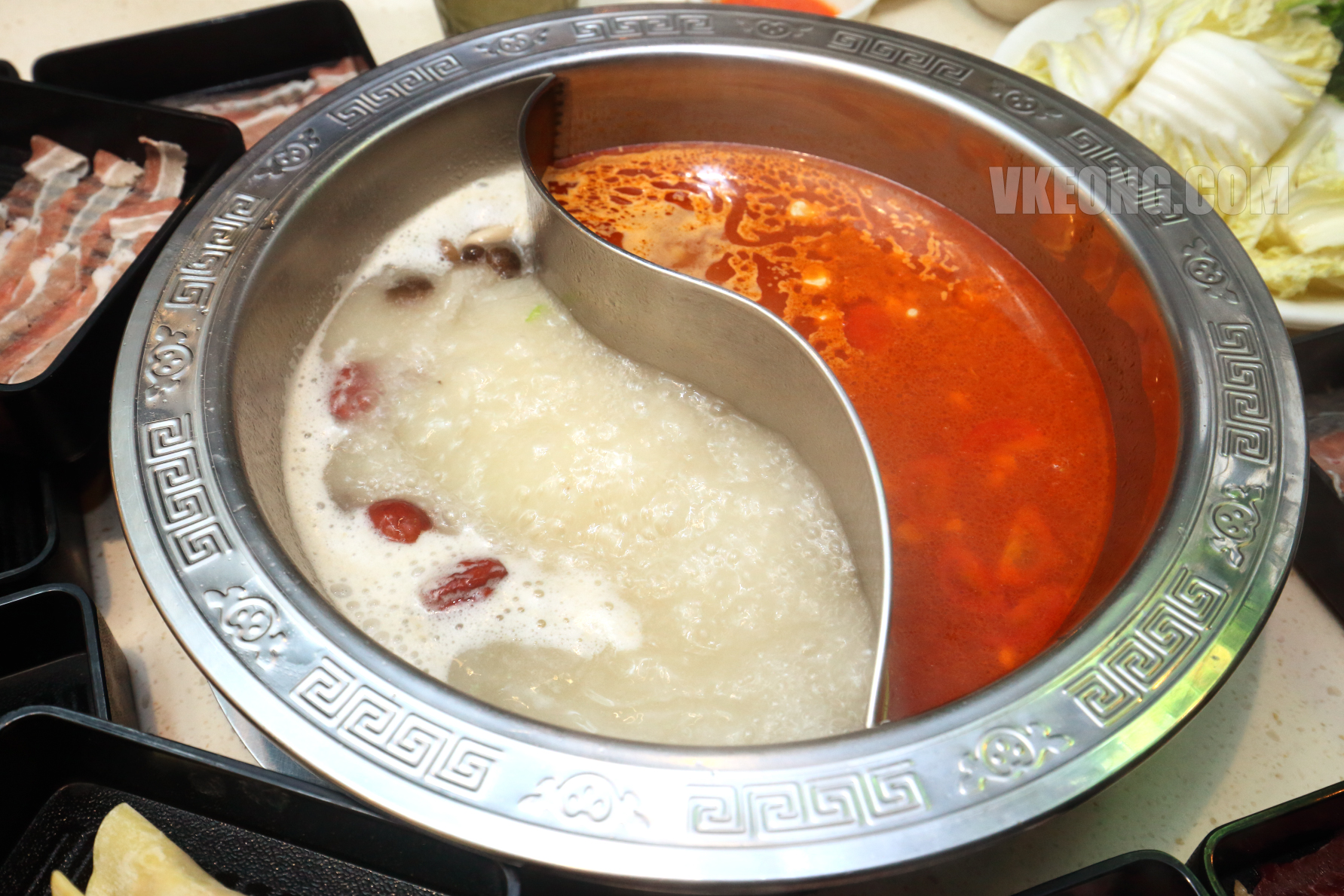 Fei-Fan-Hot-Pot-Pork-Bone-Tomato-Soup