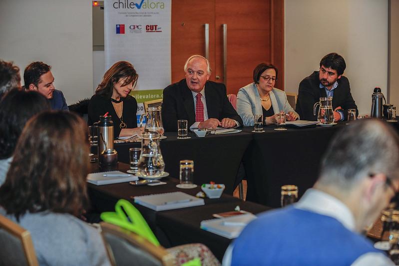 Chilevalora da bienvenida a la delegación uruguaya.