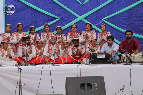 Devotional song by Vivek and Saathi from Panipat