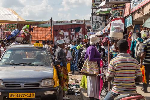 ghana kumasi market people taxi ashanti gh