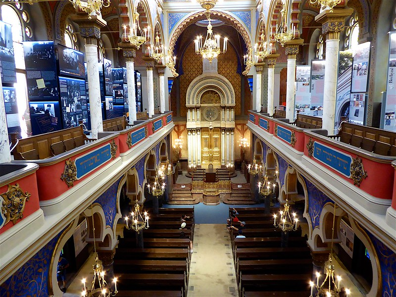 Jeruzalemska street: Jerusalem Synagogue - interior from balcony