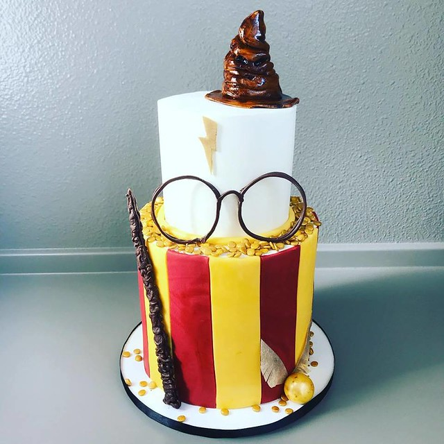 HP Theme Cake by Sugarhouse Cake