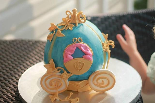 Cake by Mama K's Cakes