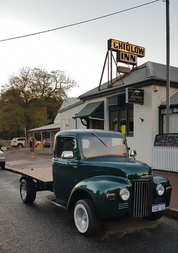 Commer at Chidlow Inn, WA.