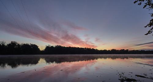 connecticutriver sunrise sun sky skyandclouds reflection reflectionphotography goldenhour sonya7ii sony sonyvariotessartfe1635mmf4za variotessar variotessar1635mm a7iizeissvariotessarwide zeiss