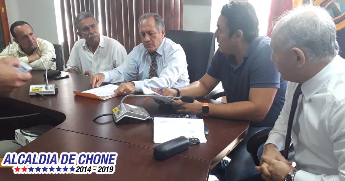Habitantes de calle Carlos Concha dan la bienvenida la construcción de su calle