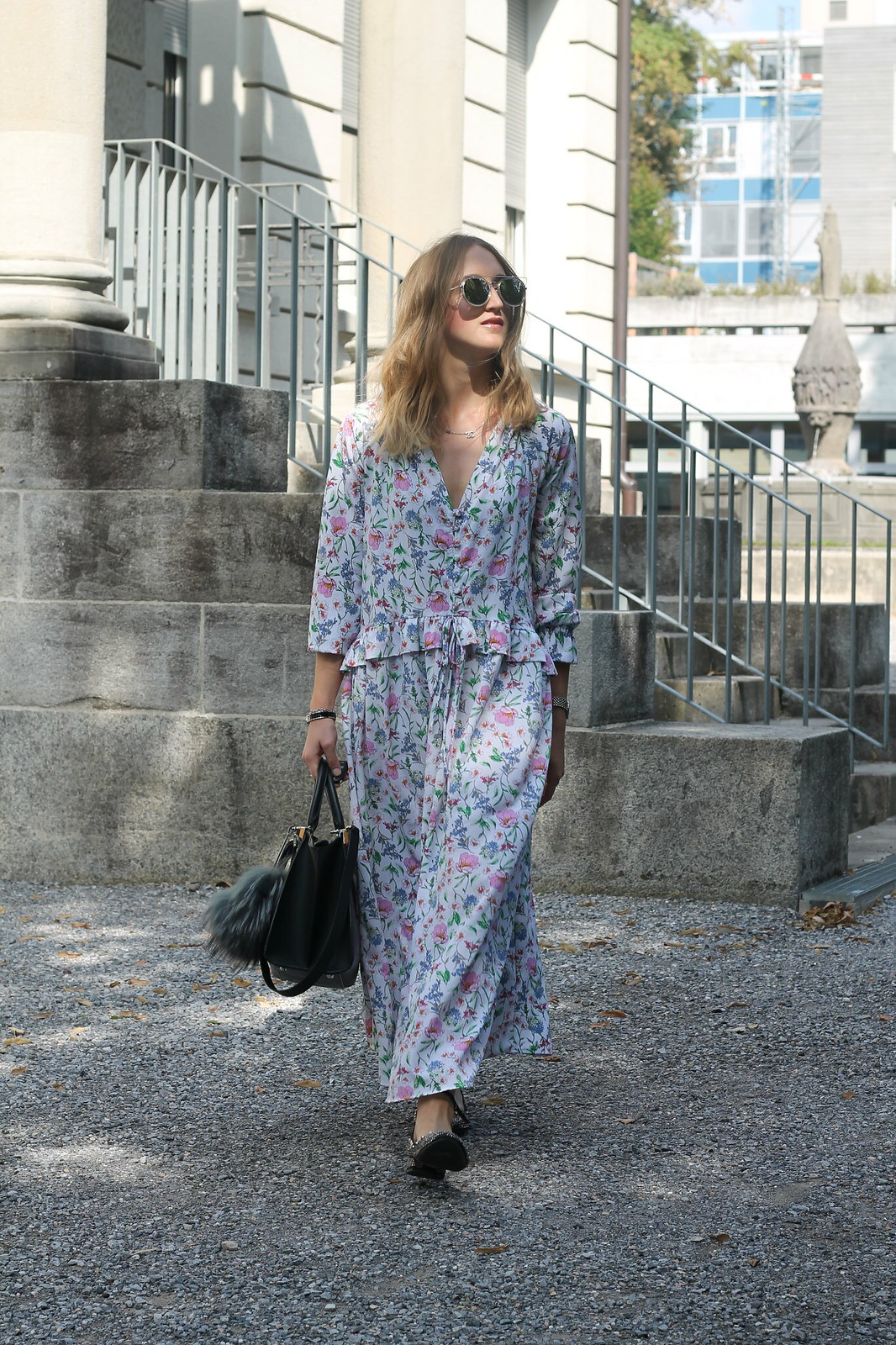 floral-maxidress-whole-outfit-walk-wiebkembg