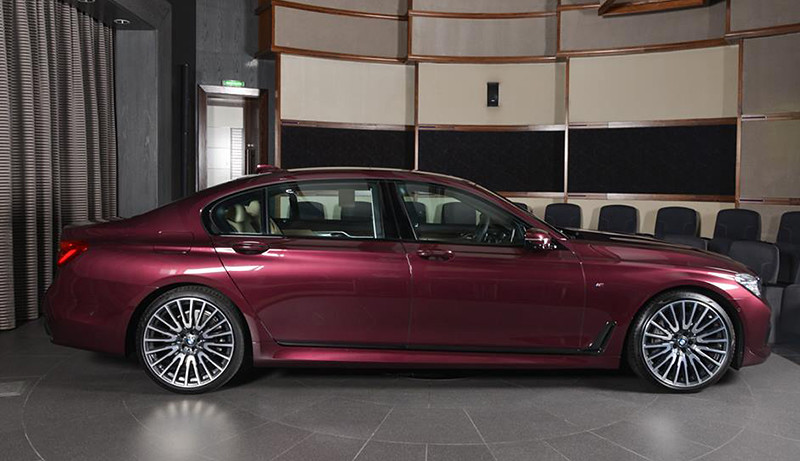 BMW-7 (1)