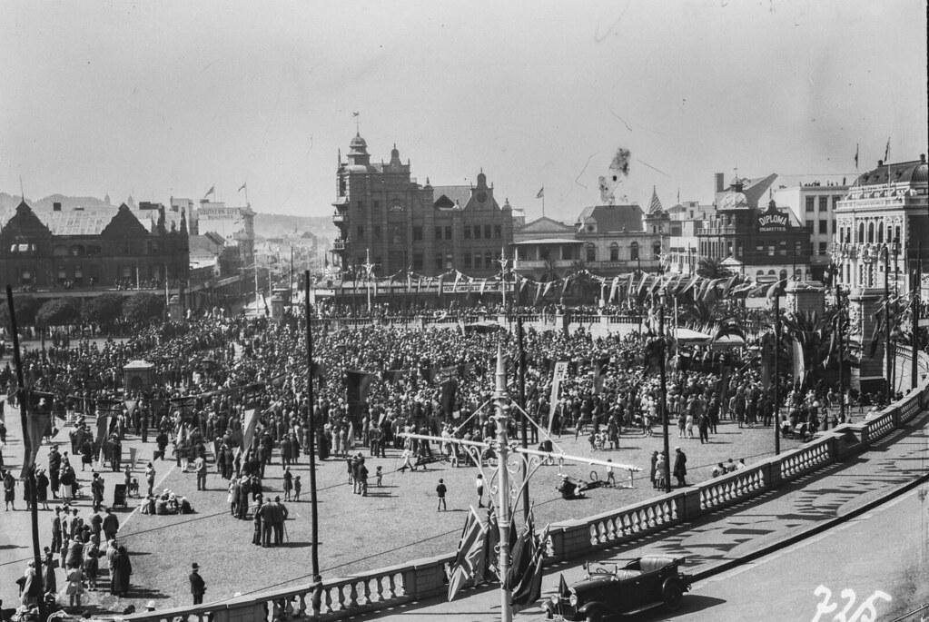 Претория. Толпа на церковной площади