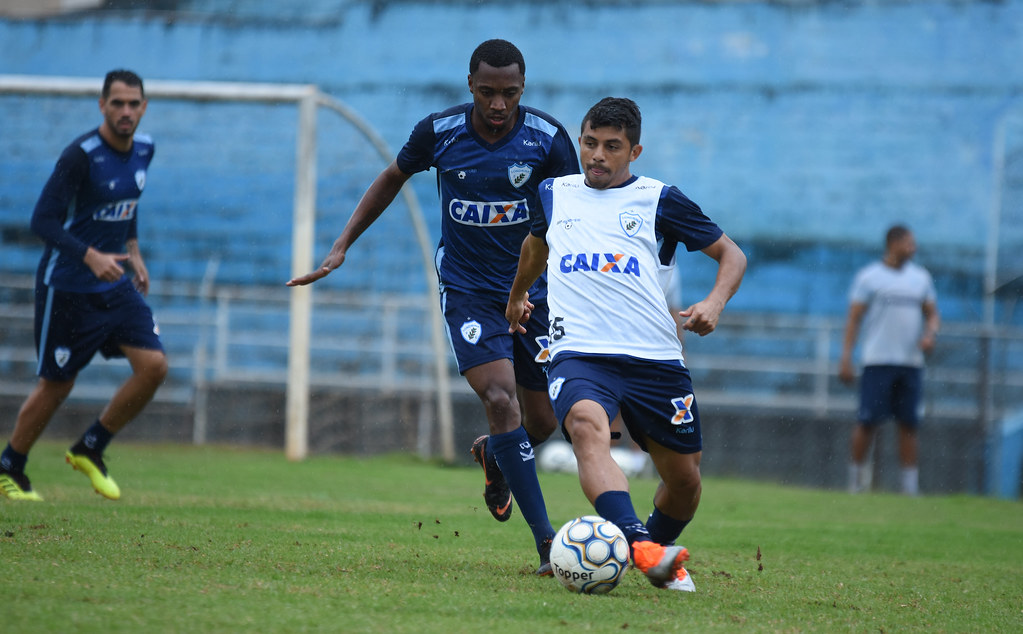 FelipeMarques_Londrina_08-10-2018_Foto_GustavoOliveira_05_