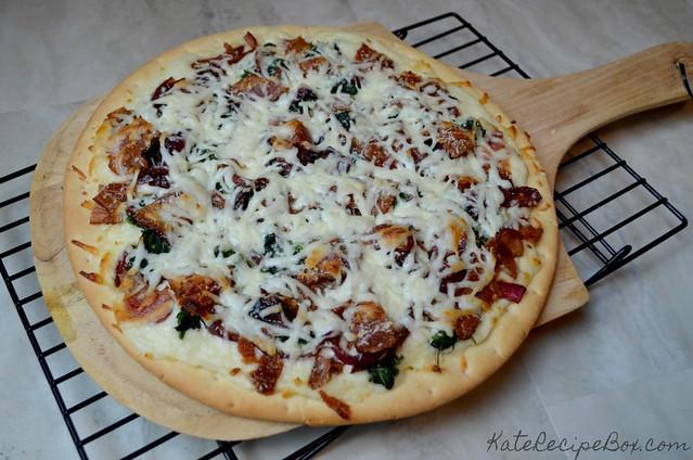 OnionBaconSpinachPizza