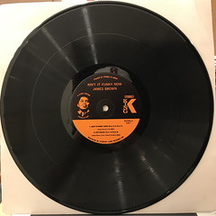 JAMES BROWN:AIN'T IT FUNKY(RECORD SIDE-A)