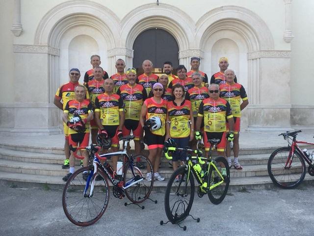 Noicattaro. amici della bici intero