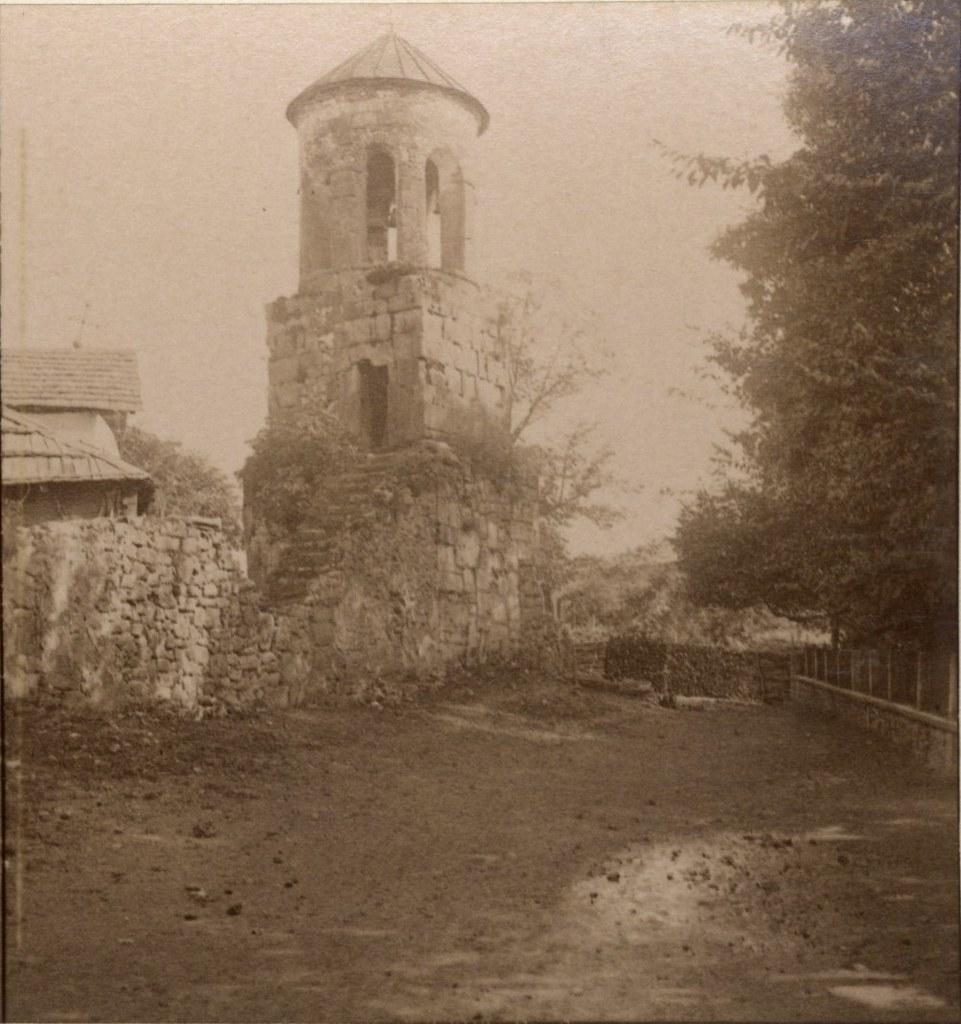 Развалины монастыря Соломона. Колокольня
