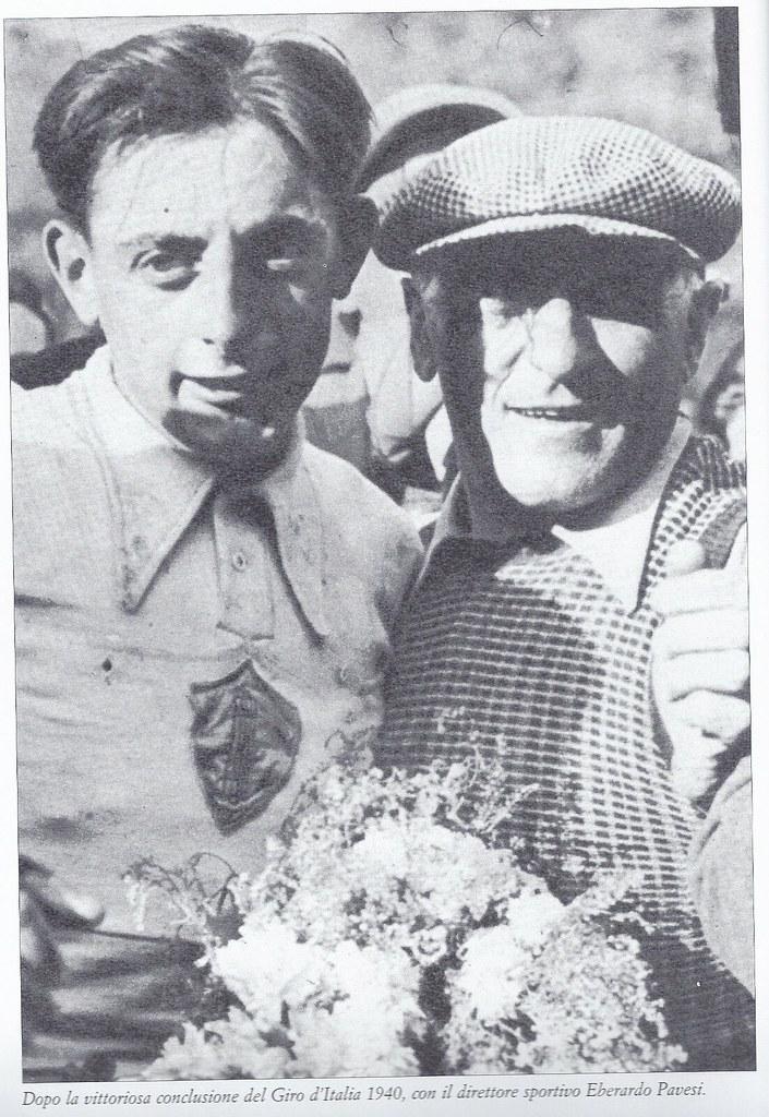 Dopo la vittoriosa conclusione del Giro 1940, F.Coppi con il suo direttore sportivo Eberardo Pavesi