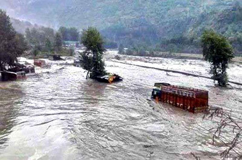 जलवायु परिवर्तन के कारण बढ़ता बाढ़ का खतरा