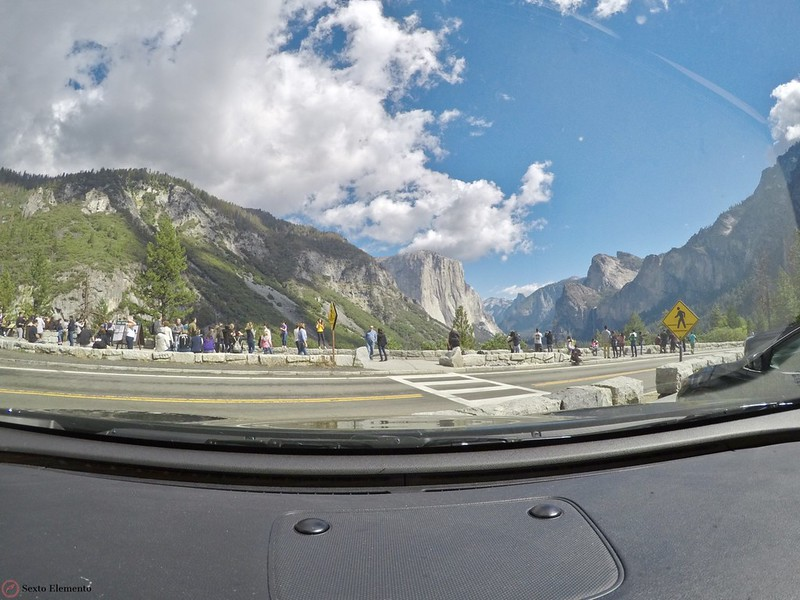yosemite-tunnel-view-large-crowds