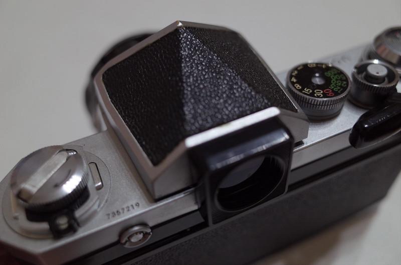 Nikon F からアイレベルファインダーを外す