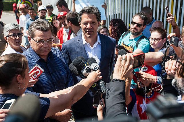 Nuevo sondeo: Bolsonaro se estanca y Haddad mantiene su crecimiento