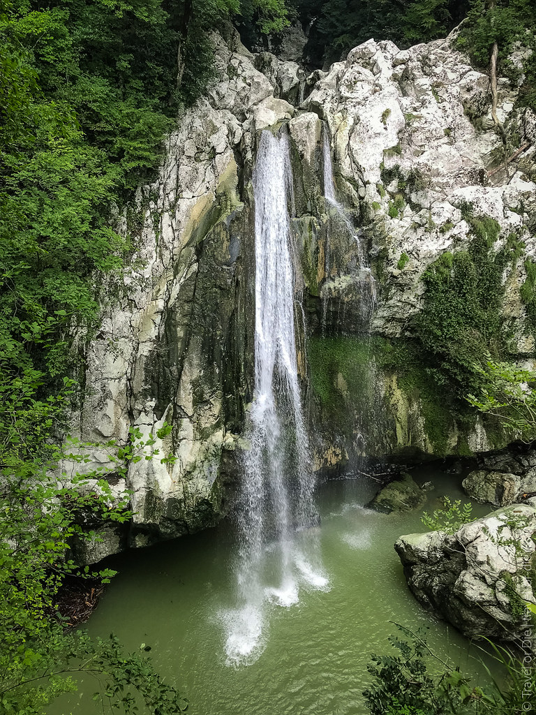 sochi-agura-waterfalls-iphone-6231