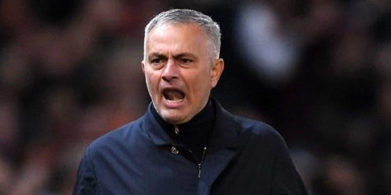 Mourinho Berada Diposisi Aman Setelah Timnya Berhasil Kalahkan Newcastle