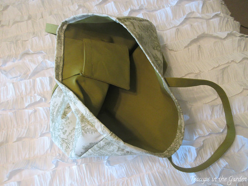 8-Totebag in Green and Toile