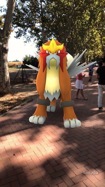 Entei en los chopos