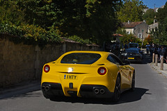 Ferrari F12 Berlinetta - Photo of Saint-Simon