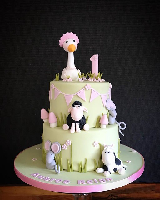 Cake by Fairy Dust Bakery - Canterbury