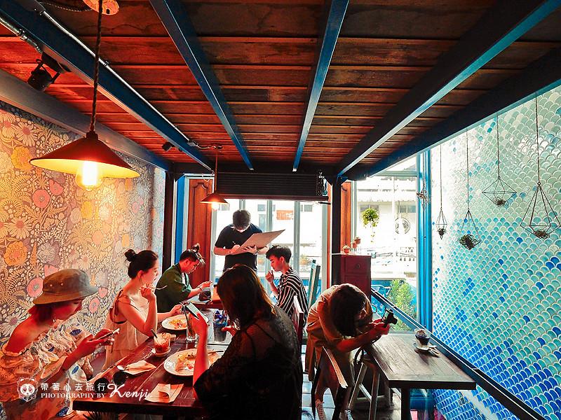 blue-cafe-12