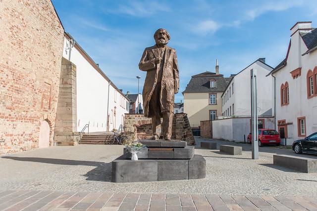 Karl-Marx-Statue, Trier