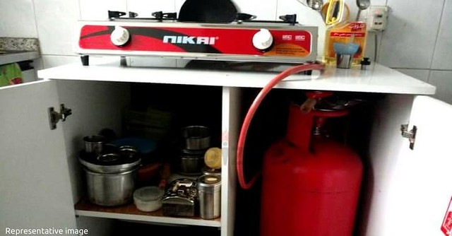 2642 8 Tips to use Gas Cylinders at your home safely to avoid Incidents 01