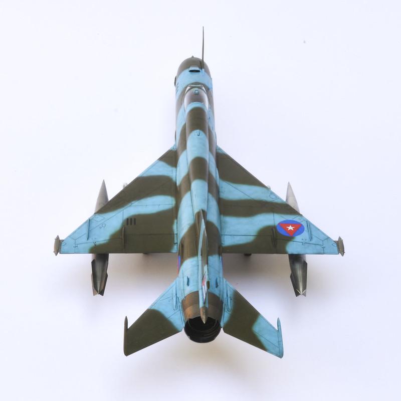 MiG-21R 04