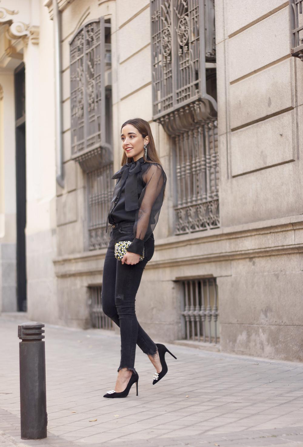 black shirt jeans christmas look fashion street style xmas 20188649