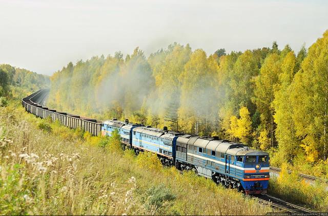 Empty Train, Nikon D90, Sigma 18-125mm F3.5-5.6 DC