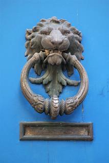 Bayonne 64 (FRANCE) : Heurtoir tête de lion