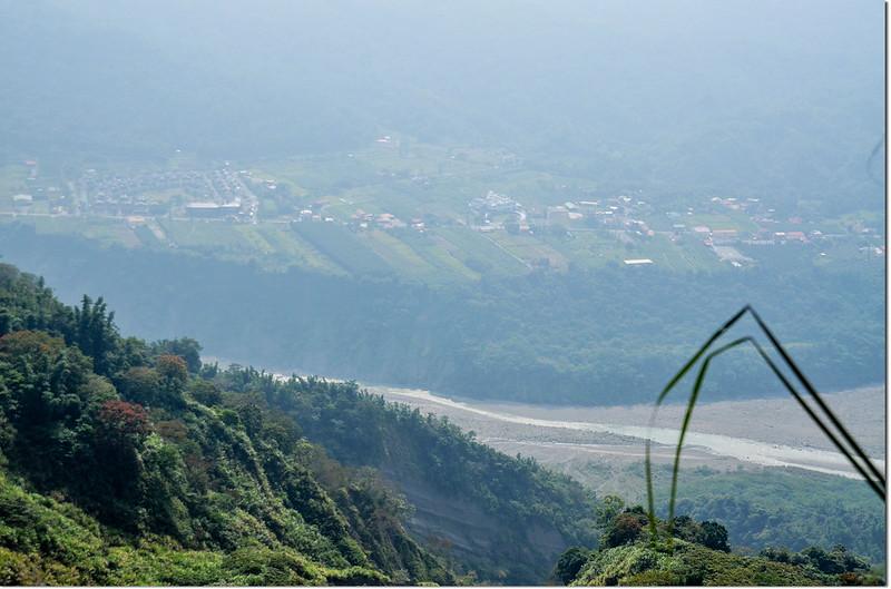 小林山登山步道大坍方區俯瞰甲仙五里埔