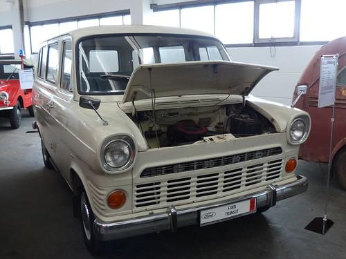Ford Transit E2 grey 1967 vr