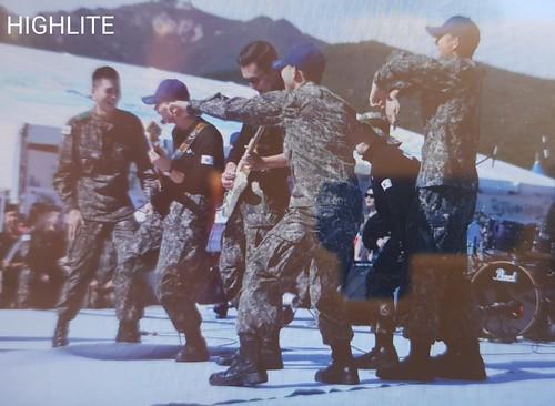 Taeyang Daesung Ground Forces Festival Korea 2018-10-08 (20)
