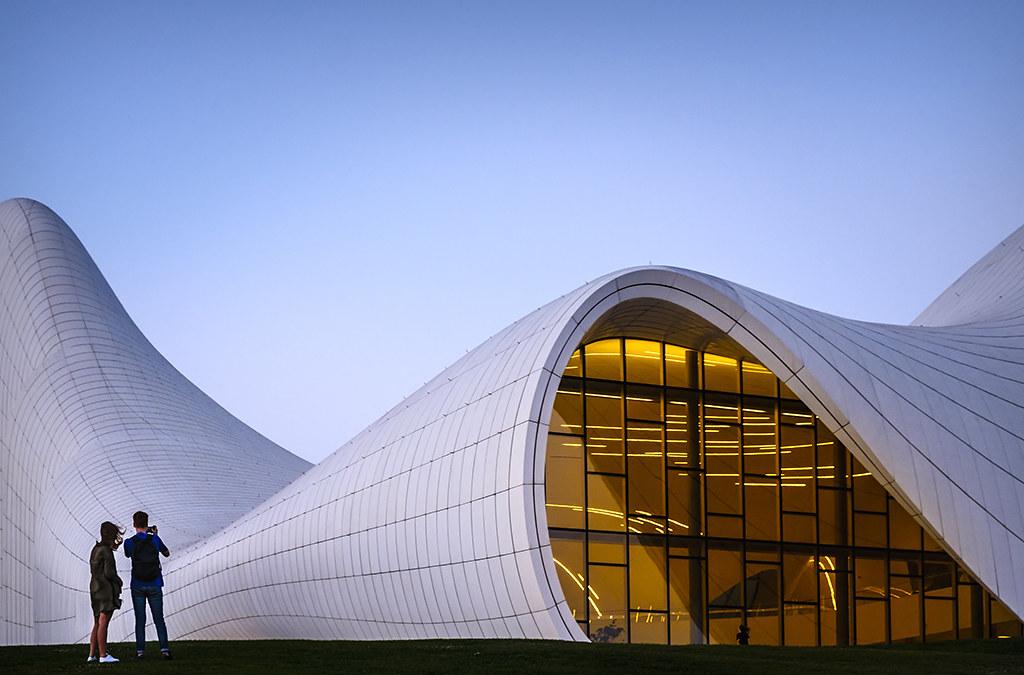 AR05 AR66 mpereda (Azerbaiján) - Centro Heydar Aliyev - Tomada en Bakú el 020818
